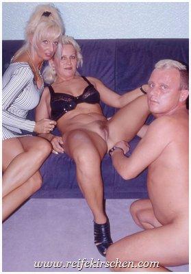 Flotter Dreier mit deutschen Swinger Girls